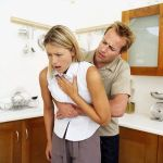 article-new_ehow_images_a00_0e_j5_heimlich-maneuver-800x800